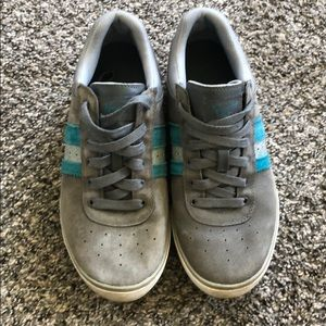 Original Penguin Sneakers size 9